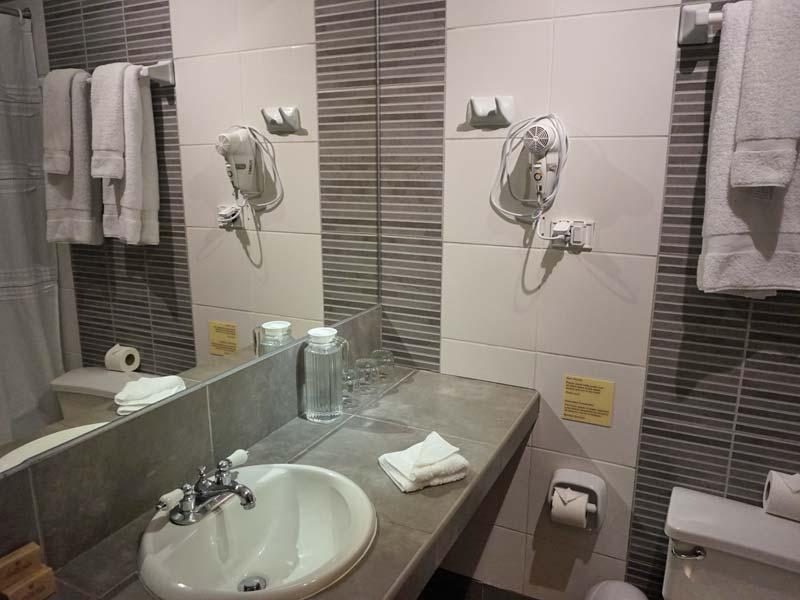 Peru kids - comfort hotel Lima badkamer