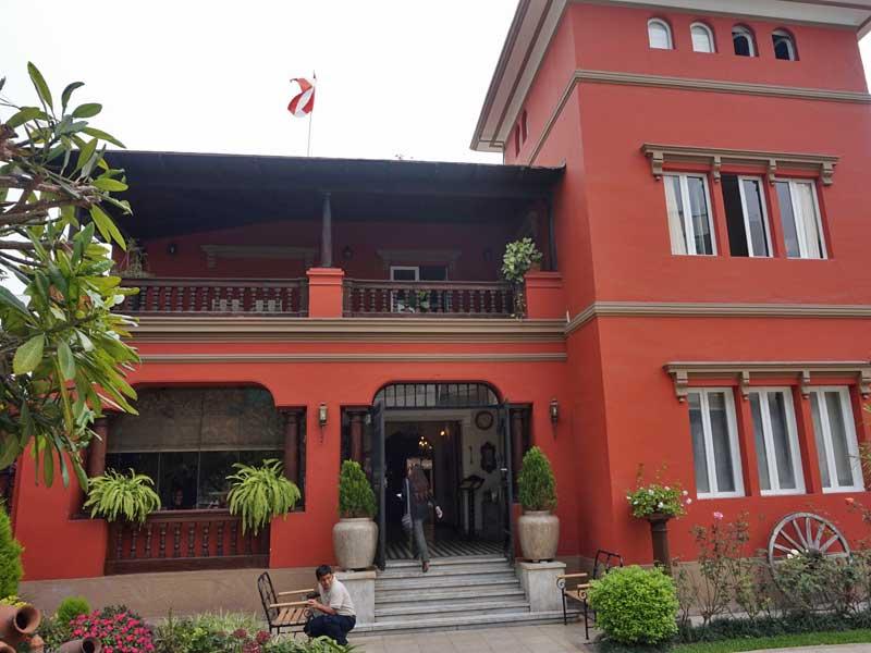 Peru kids - comfort hotel Lima