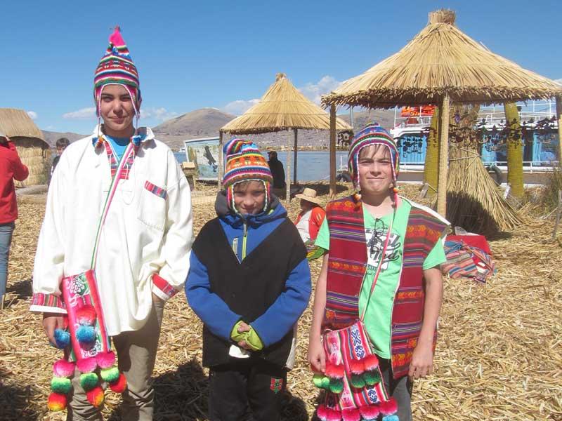 Peru kids - Titicacameer Uros