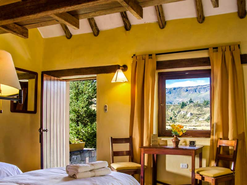 Colca Canyon Peru kids - comfort lodge uitzicht