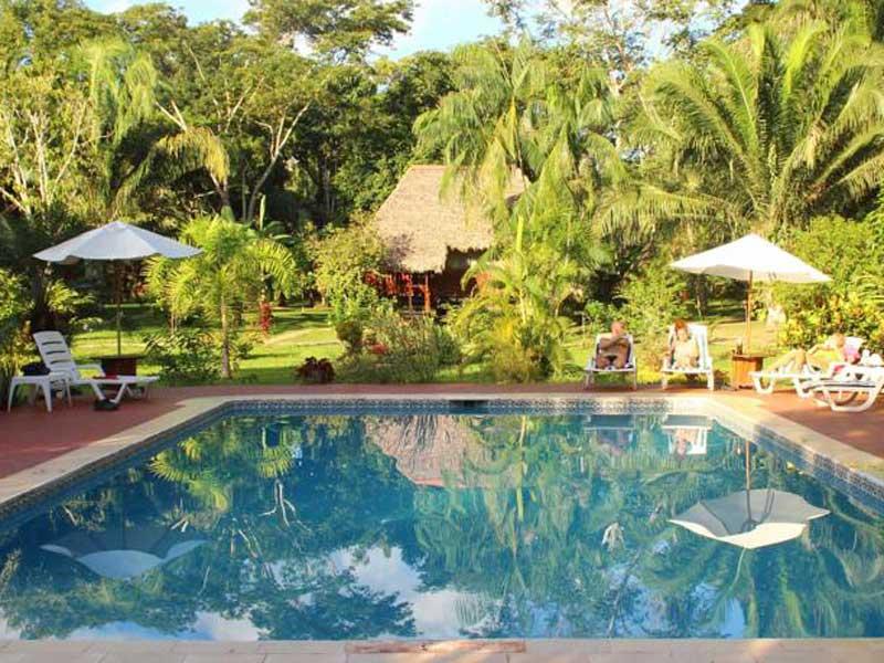 Amazone Peru Kids - comfort lodge zwembad