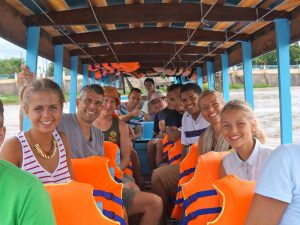 Mekong met kinderen - Varen op de Mekong