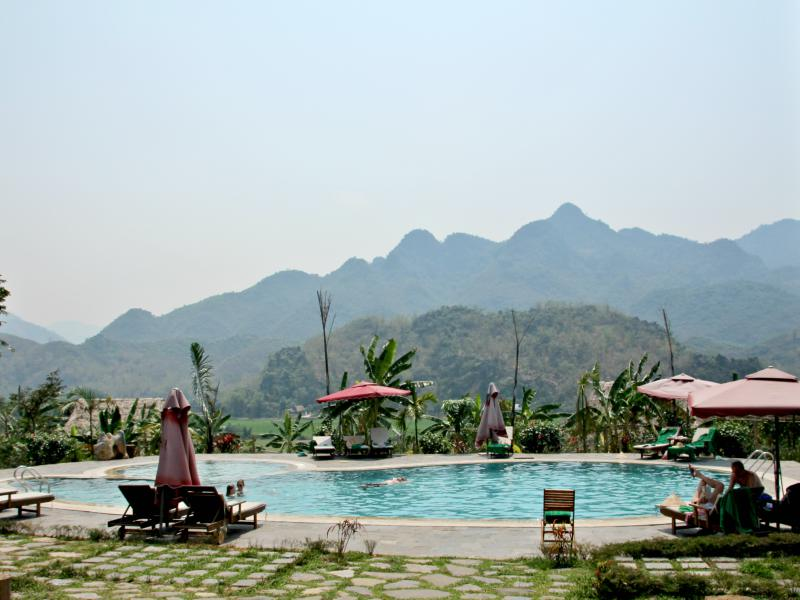 Fietsen in Vietnam - special stay zwembad