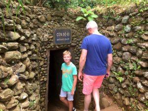 Vietnam rondreis met kinderen - tunnels