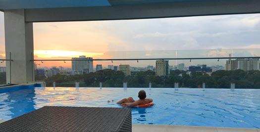 Saigon met kinderen - zwembad