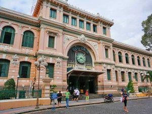 Saigon met kinderen - postkantoor