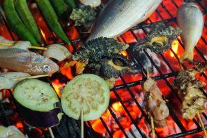 BBQ op Robinson Expeditie, Cham eiland, Vietnam