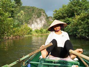 Ninh Binh met kinderen - varen op de rivier