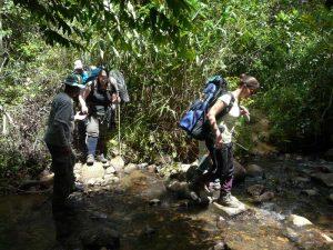 Kajakken Vietnam - jungle trekking