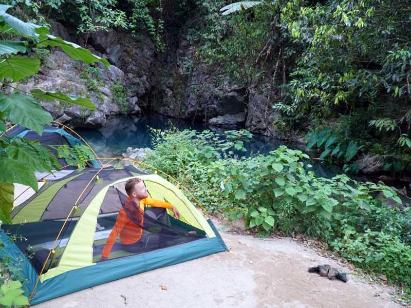 jungle trekking Phong Nha Vietnam