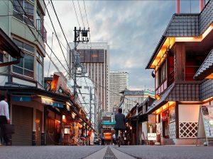 Ontdek op eigen houtje de leuke wijken en straten van Tokyo