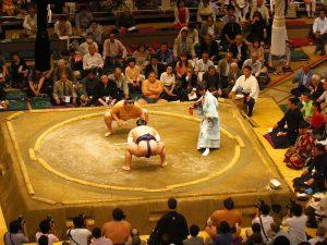 Sumo wedstrijd inTokyo, Japan