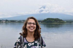 foto japan-fanaat Lisa bij Mount Fuji