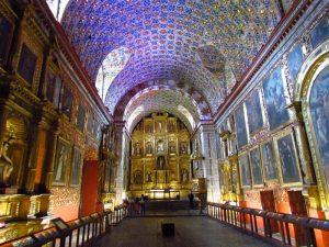 Innenraum einer Kirche in Bogota