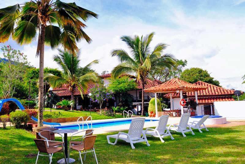 Komforthotel mit Pool in San Gil bei Kolumbien Familienreise