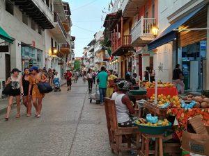 Straßenszene in Cartagena-Kolumbien