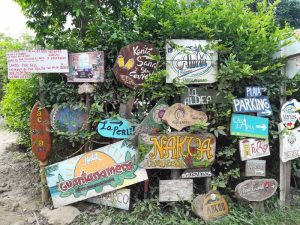 Wegweiser in Palomino-Kolumbien