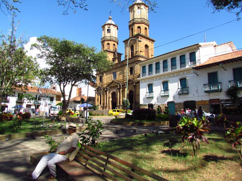kolumbien-san-gil-plaza