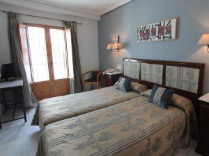 Granada Reise Hotelzimmer Unterkunft