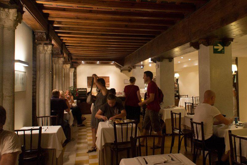 Andalusien Stadthotel Unterkunft Sevilla Rundreise