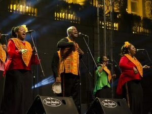 Harlem Gospel Choir door Festival uličnih svirača