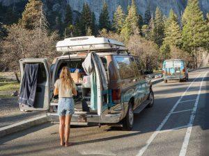 met je camper in Yosemite