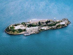 Alcatraz Riksja Travel