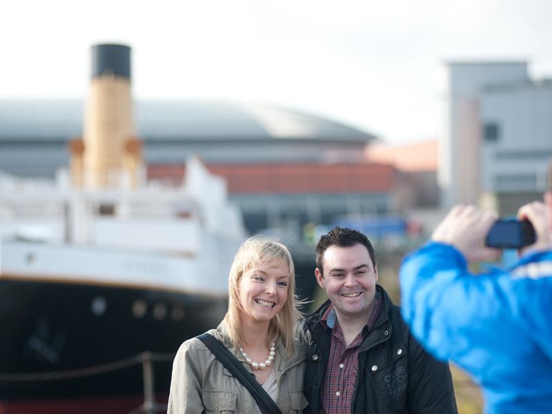 Belfast Irland Rundreise Titanic Museum
