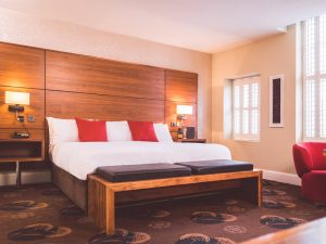 Belfast Sehenswürdigkeiten Städtereise Hotelzimmer