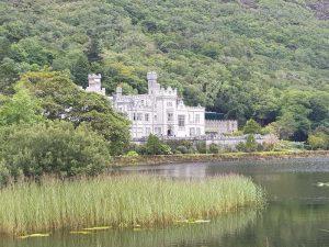 Connemara Wandern Kylemore Abbey Schloss