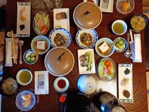 Essen in Ryokan Yunohira bei Kyushu Rundreise