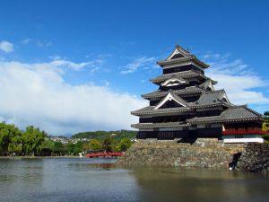 Japan traditionell erleben mit Burg von Matsumoto