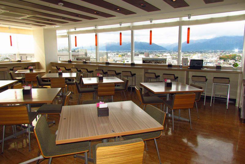 Japan Reise Traditionell und modern Matsumoto