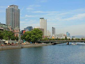Osaka Kanal bei Japan Reise von Tokio nach Kyoto