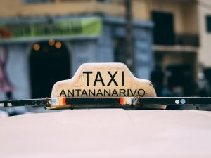 Taxi in Antananarivo - Madagaskar Highlights