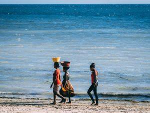 Kinder am Strand von Ifaty - 3 Wochen Madagaskar