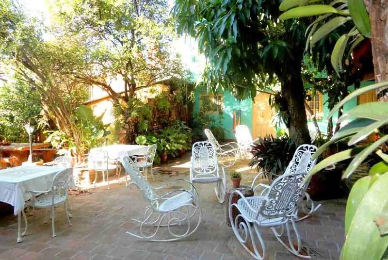 Cuba twee weken - tuin Casa Trinidad, Cuba met kinderen