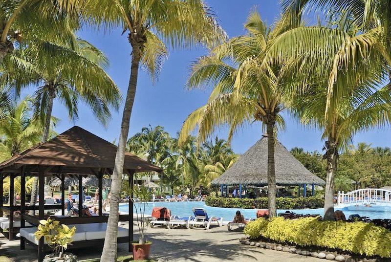 rondreis Cuba twee weken - zwembad Hotel Varadero, Cuba met kinderen