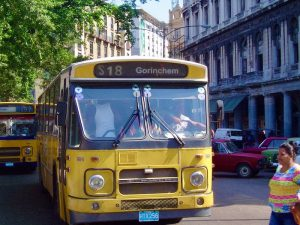 Vervoer Cuba - Nederlandse bus in Cuba