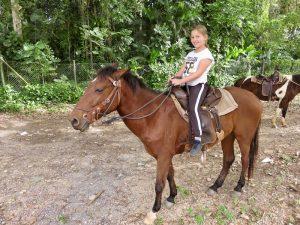 rondreis Cuba twee weken - Paardrijden Vinales Cuba