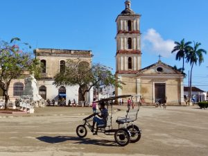 Remedios San Juan Bautista kerk - Cuba familiereis
