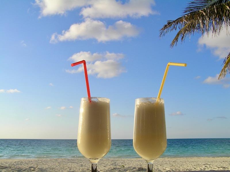 Cocktails strand Cuba