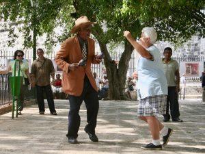 Rondreis Cuba drie weken - salsa dansen in Santiago de Cuba