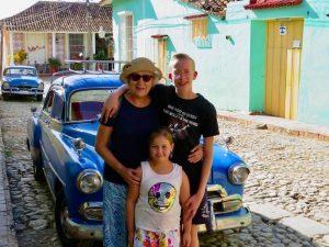 Trinidad Cuba met kinderen - oldtimer