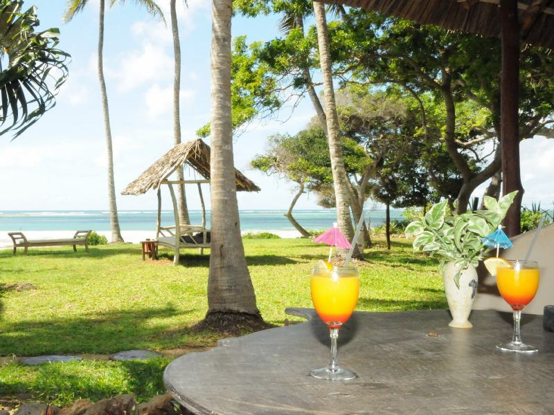 Mombasa strand - uitzicht Diani Beach resort