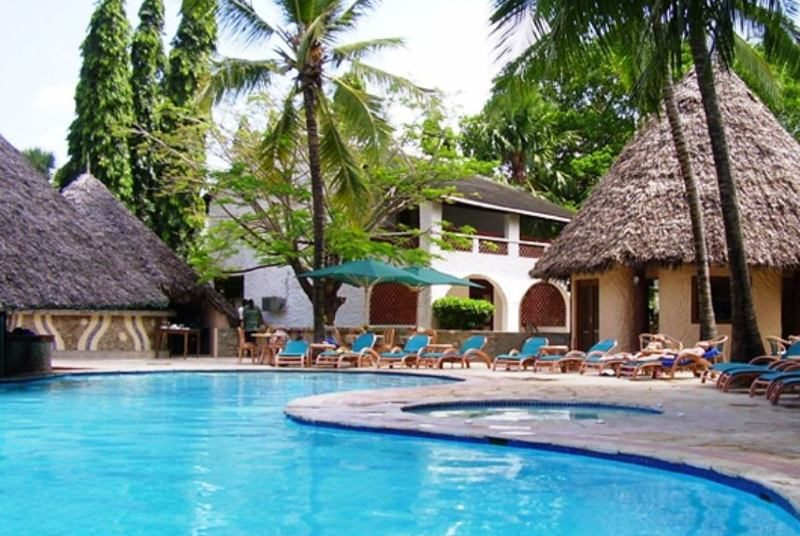 Zwembad resort Diani Beach