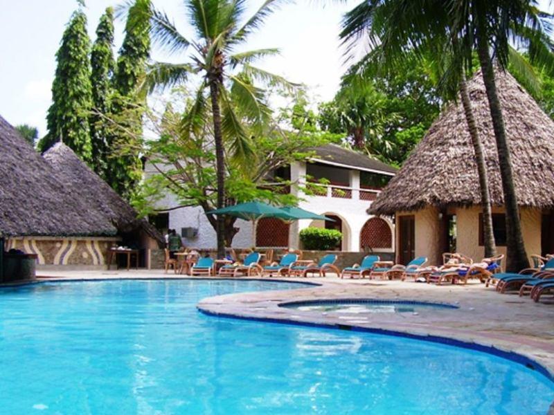 Zwembad resort Diani Beach