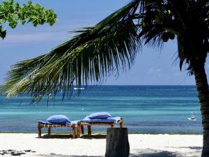 Reisroute Tanzania Kenia met kinderen - strand Zanzibar