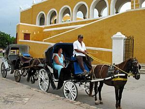 mexiko-izamal-kutsche-kloster