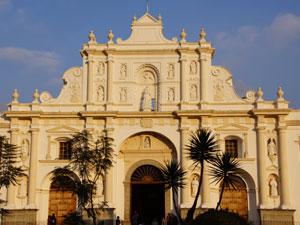 Guatemala Rundreise Kirche Antigua
